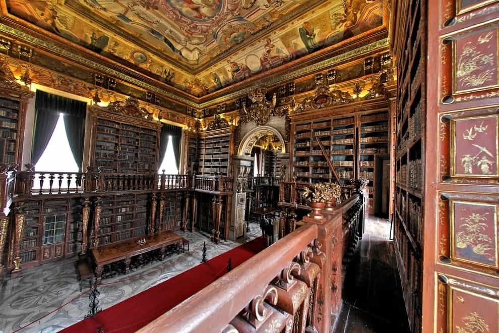 If You Are A Book Lover Here Are The Best 30 Places To Be (11)