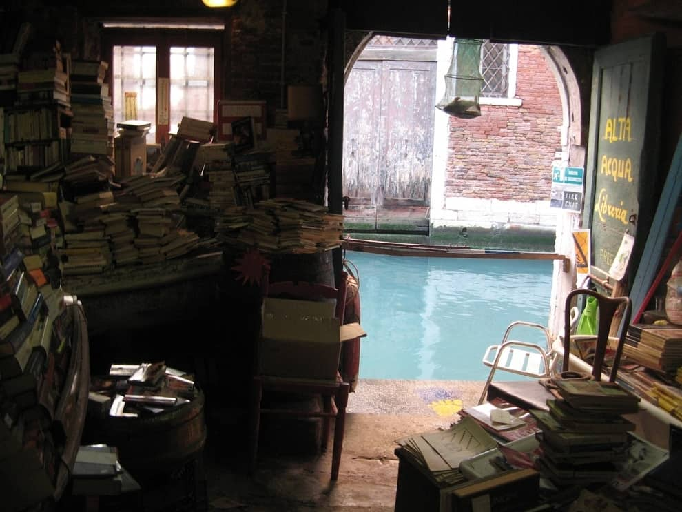 If You Are A Book Lover Here Are The Best 30 Places To Be (5)