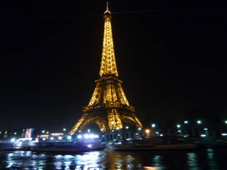 The Many Beautiful Romantic Scenes Of Paris At Night Time 1 Homesthetics Inspiring Ideas For Your Home