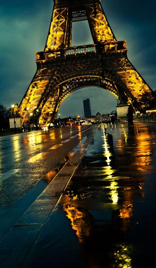 Romantic Scenes Of Paris By Night