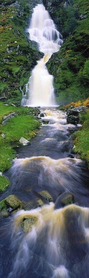 The Most Spectacular Waterfalls Around The World To Add To Your Vacation List Of To Do Things (10)