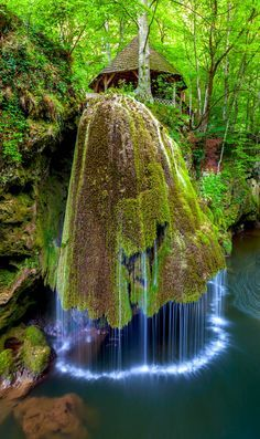 The Most Spectacular Waterfalls Around The World To Add To Your Vacation List Of To Do Things (18)