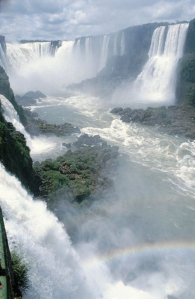 The Most Spectacular Waterfalls Around The World To Add To Your Vacation List Of To Do Things (4)