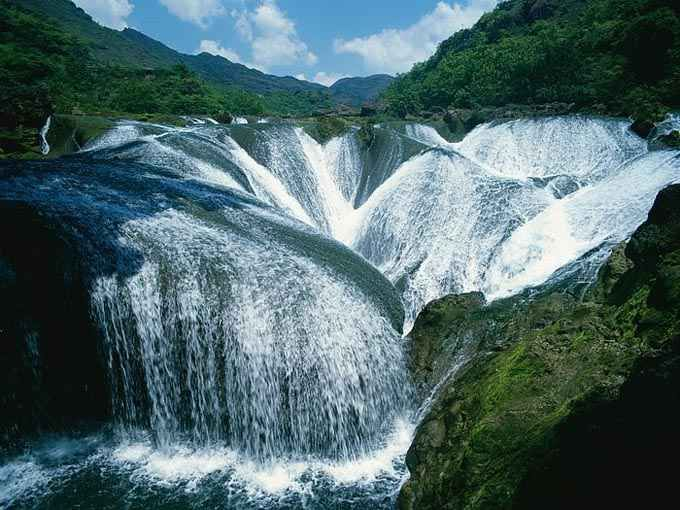 The Most Spectacular Waterfalls Around The World To Add To Your Vacation List Of To Do Things (5)