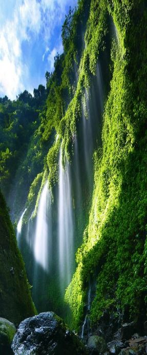 The Most Spectacular Waterfalls Around The World To Add To Your Vacation List Of To Do Things (9)