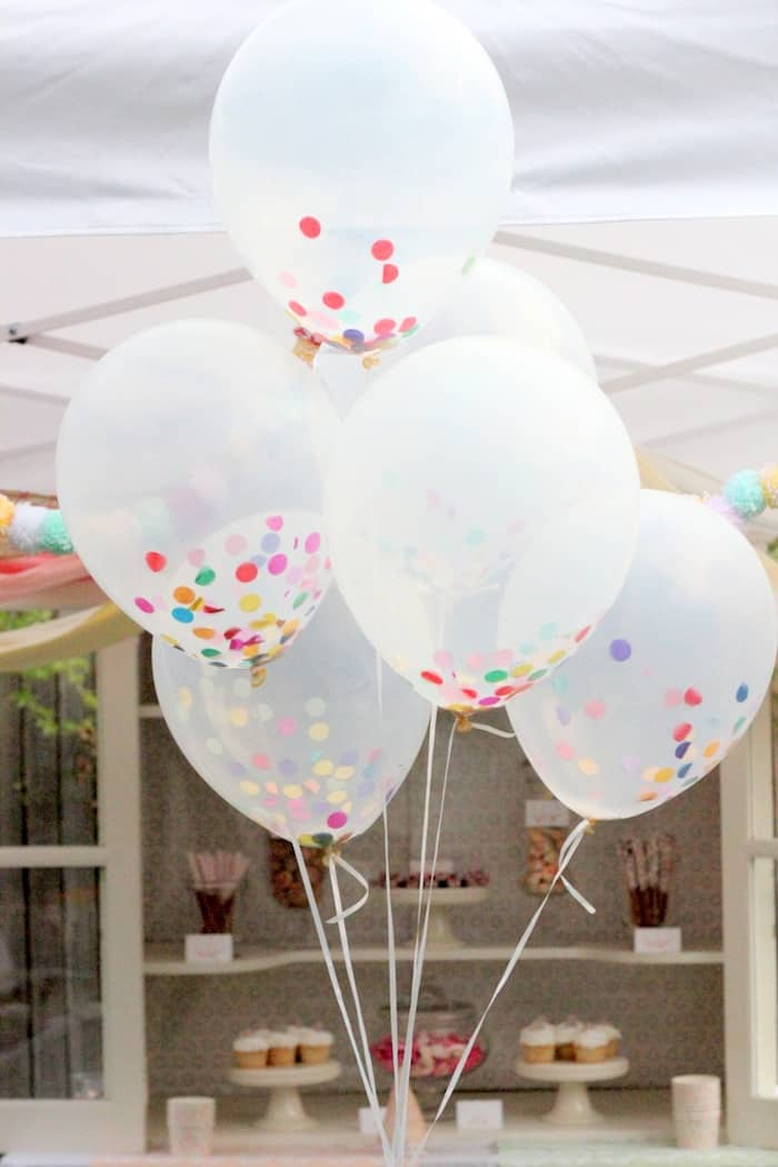 13 Ways to Use Balloon Decorations in Shower Celebrations homesthetics decor (1)