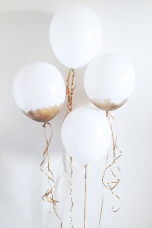 13 Ways to Use Balloon Decorations in Shower Celebrations homesthetics decor (12)