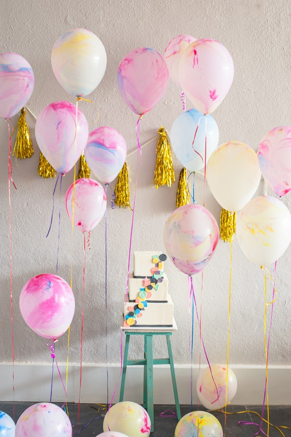 13 Ways to Use Balloon Decorations in Shower Celebrations homesthetics decor (3)