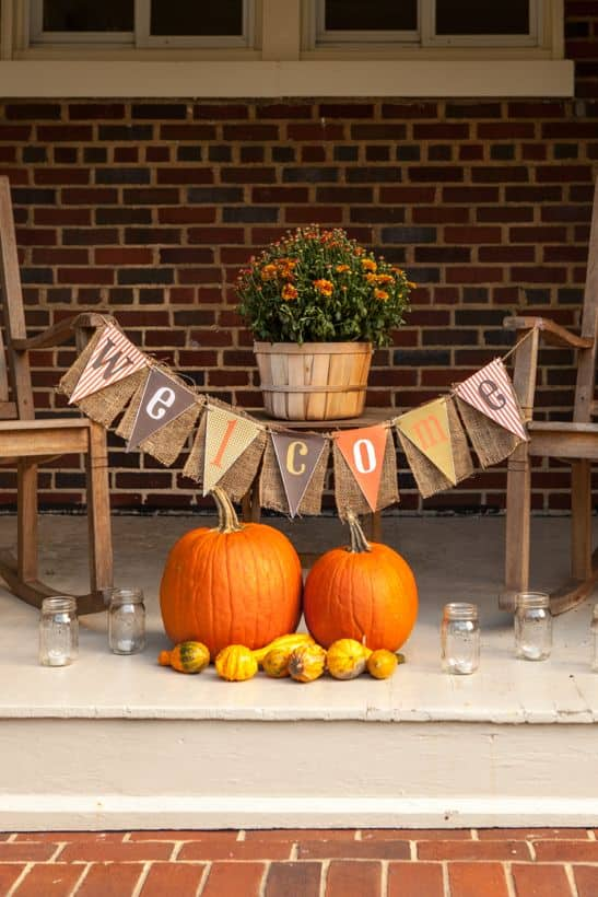 15 Simple Breathtakingly Ingenious and Beautiful Burlap DIY Fall Decor For Your Home homesthetics decor (13)