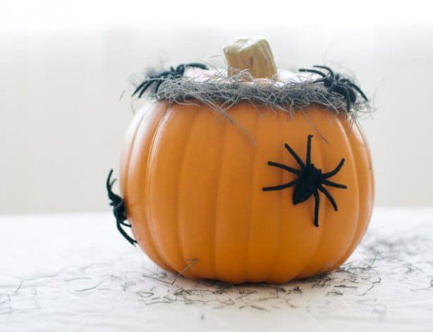 17 Super Ingenious Smart Easy-to-Make Halloween Decor For Your Household homesthetics decor4 (12)