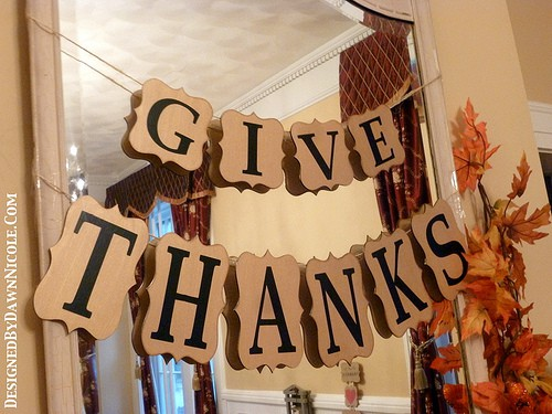 24 Smart Thanksgiving DIY Door Art and Wall Art That Will Greet Your Guests homesthetics fall decor (12)