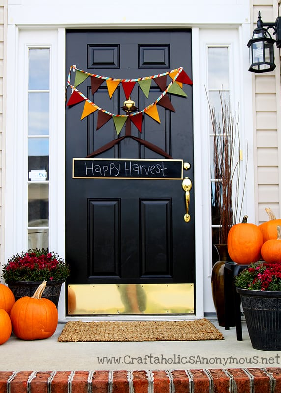 24 Smart Thanksgiving DIY Door Art and Wall Art That Will Greet Your Guests homesthetics fall decor (15)