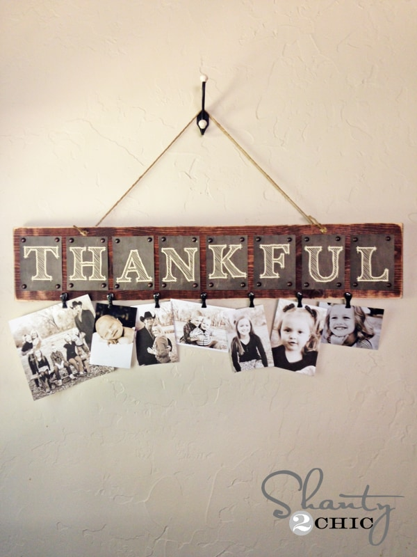 24 Smart Thanksgiving DIY Door Art and Wall Art That Will Greet Your Guests homesthetics fall decor (9)