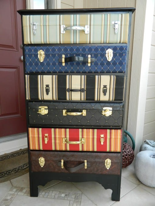25 Beautifully Creative Ways to Recycle Vintage Suitcases at Home homesthetics decor (11)