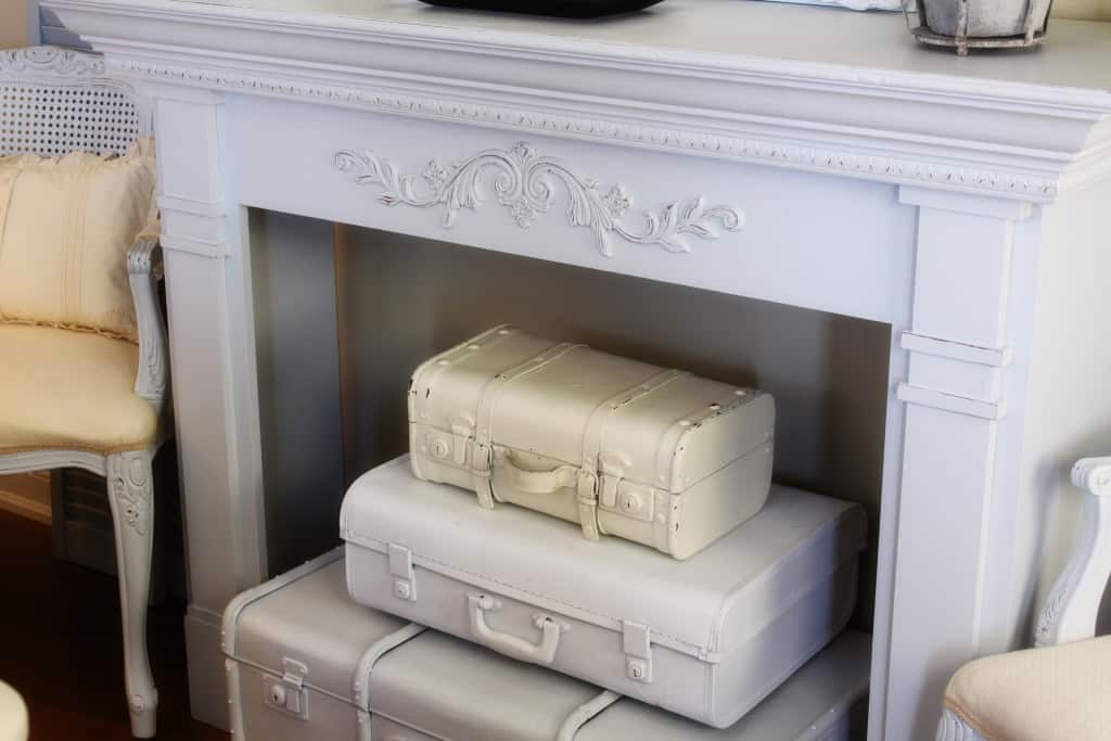 25 Beautifully Creative Ways to Recycle Vintage Suitcases at Home homesthetics decor (13)