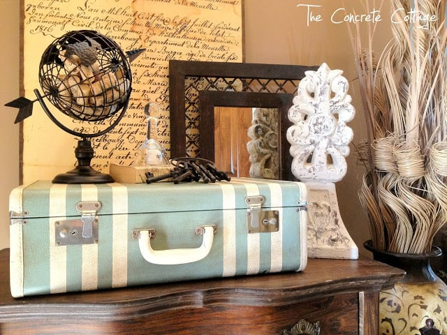 25 Beautifully Creative Ways to Recycle Vintage Suitcases at Home homesthetics decor (15)