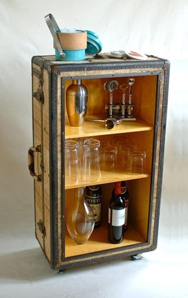 25 Beautifully Creative Ways to Recycle Vintage Suitcases at Home homesthetics decor (17)