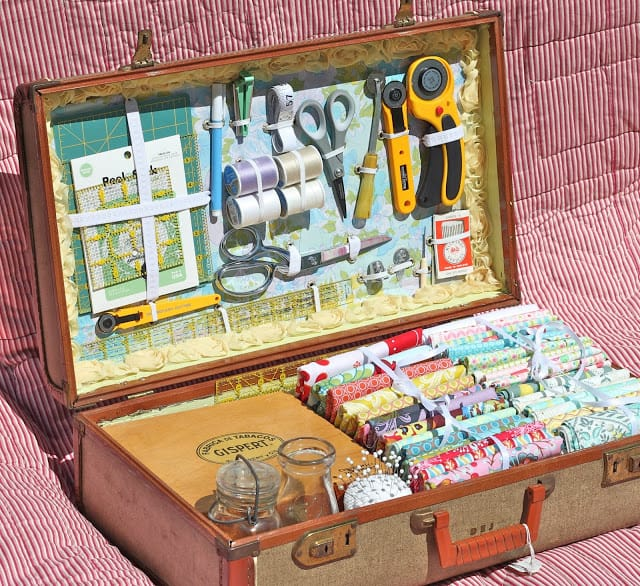 25 Beautifully Creative Ways to Recycle Vintage Suitcases at Home homesthetics decor (18)