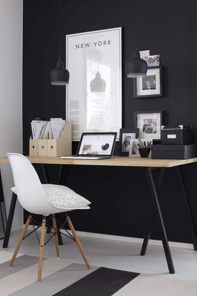 25 Conveniently Designed Home Office Space Ideas (21)