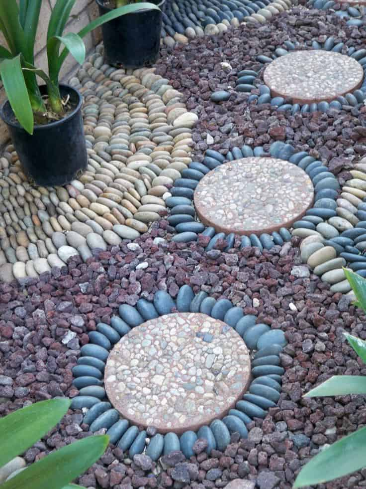 30 Garden Pathway Pebble Mosaic Ideas For Your Home Surroundings (2)
