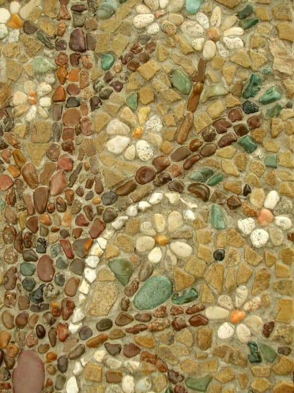 30 Garden Pathway Pebble Mosaic Ideas For Your Home Surroundings (24)