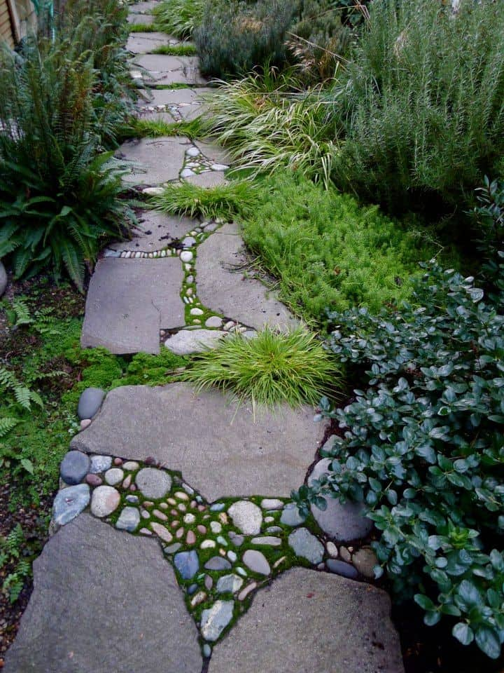 30 Garden Pathway Pebble Mosaic Ideas For Your Home Surroundings (25)