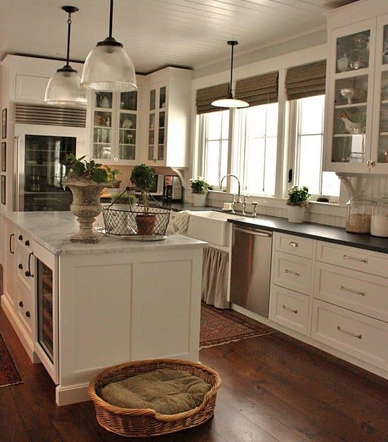 30 Gorgeous Kitchen Cabinets For An Elegant Interior Decor Part 2 Glass Cabinets (22)