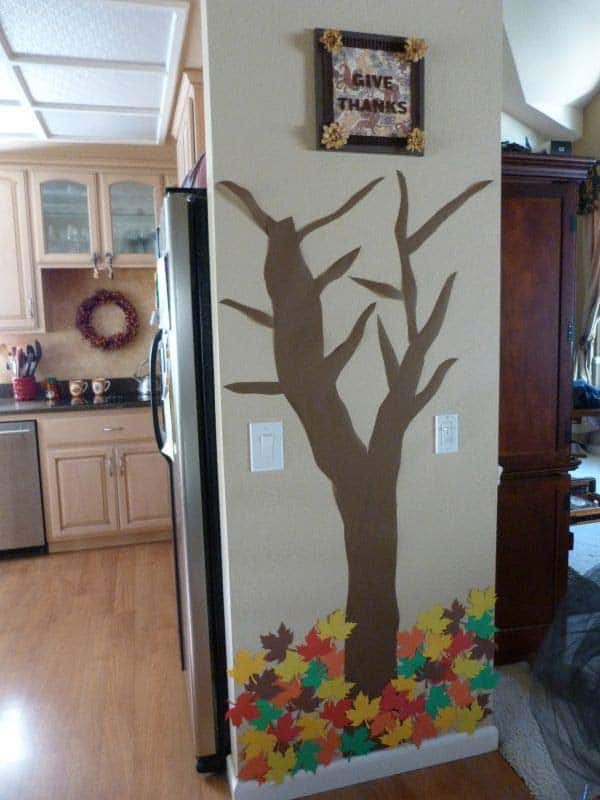 #30SIMPLE COLORED PAPER FALL DECORATION TO REALIZE WITH YOUR KIDS