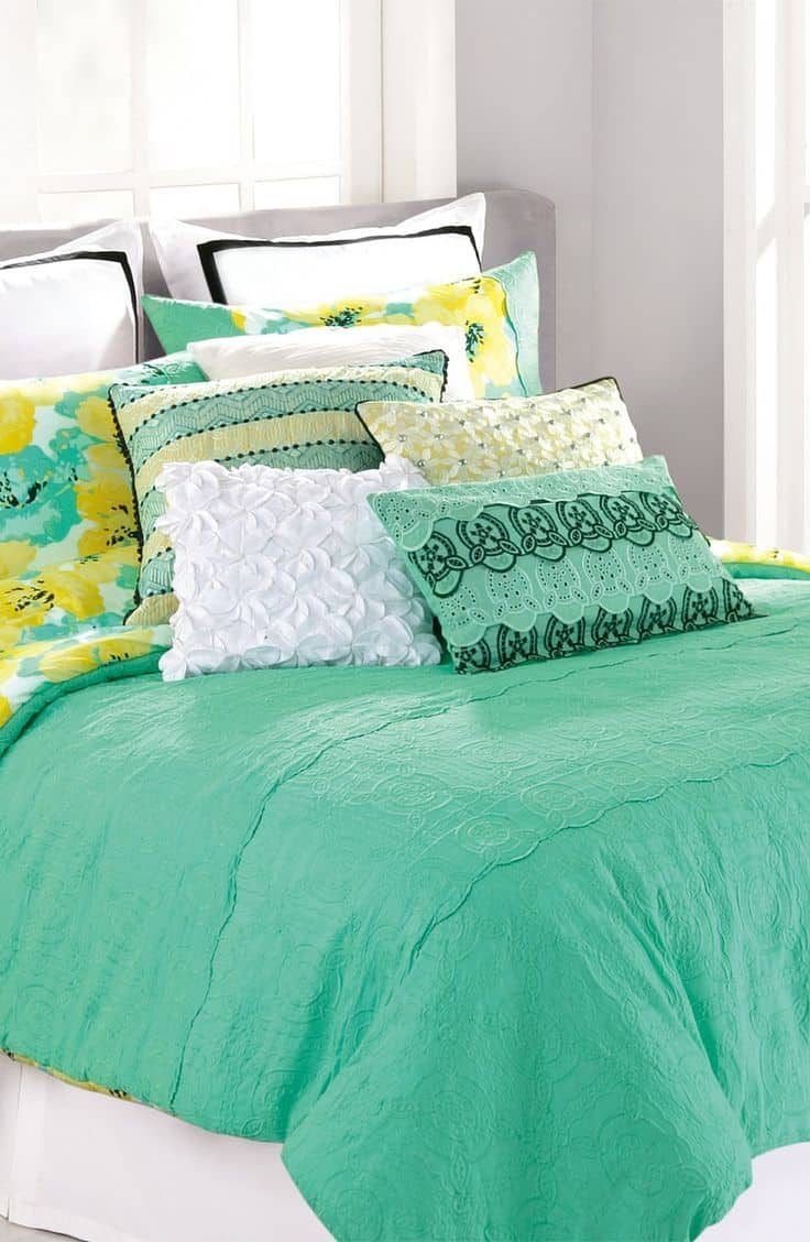 30 Of The Most Chic And Elegant Bed Comforter Designs To Choose From When Shopping And To Keep You Warm This Winter (11)