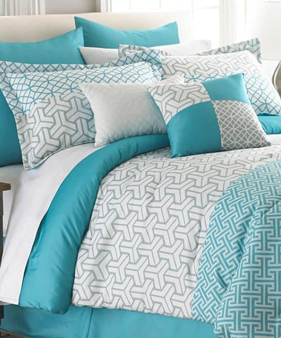 30 Of The Most Chic And Elegant Bed Comforter Designs To Choose From When Shopping And To Keep You Warm This Winter (20)