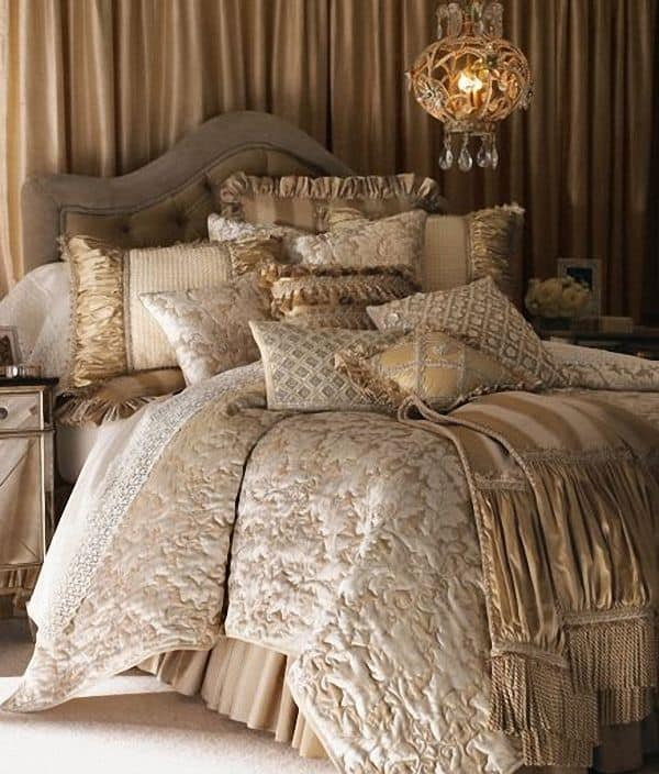 30 Of The Most Chic And Elegant Bed Comforter Designs To Choose From When Shopping And To Keep You Warm This Winter (22)
