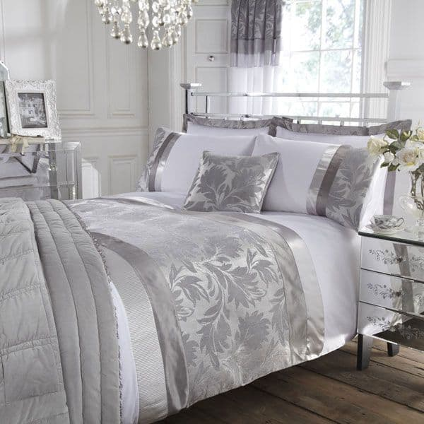 30 Of The Most Chic And Elegant Bed Comforter Designs To Choose From ...