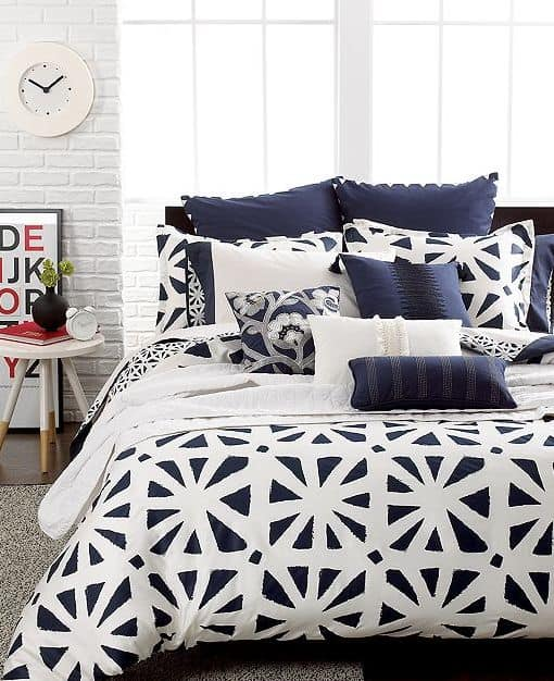30 Of The Most Chic And Elegant Bed Comforter Designs To Choose From When Shopping And To Keep You Warm This Winter (30)