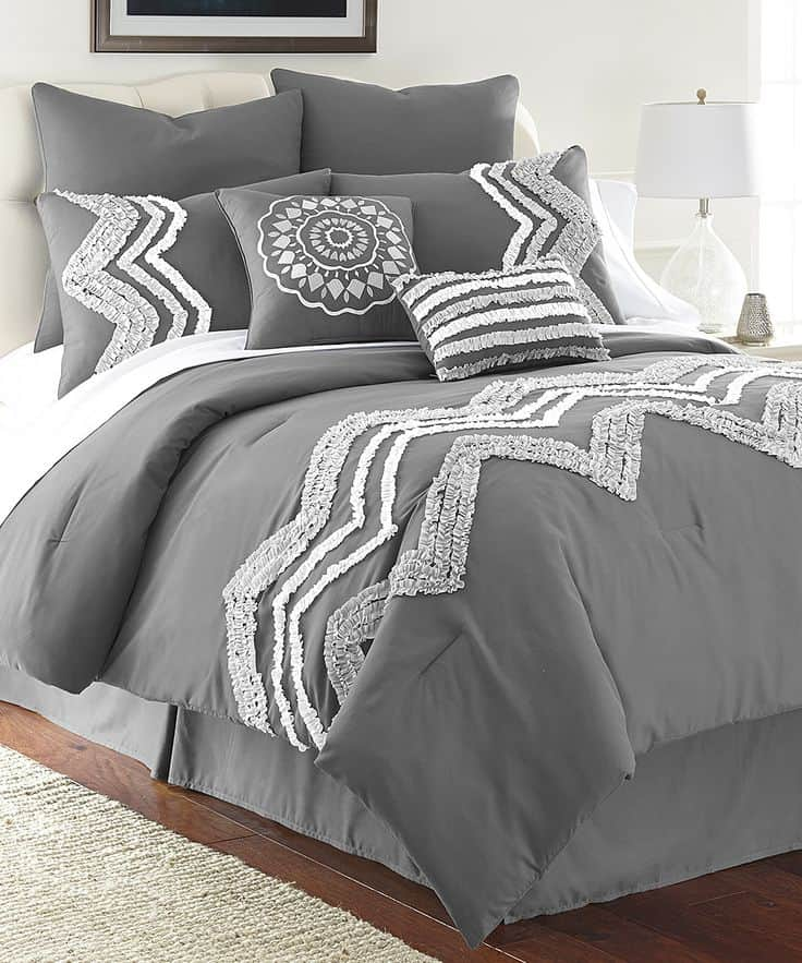 30 Of The Most Chic And Elegant Bed Comforter Designs To Choose From When Shopping And To Keep You Warm This Winter (4)