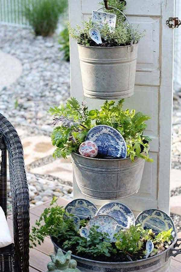 33 Insanely Smart Ways To Repurpose Galvanized Buckets And