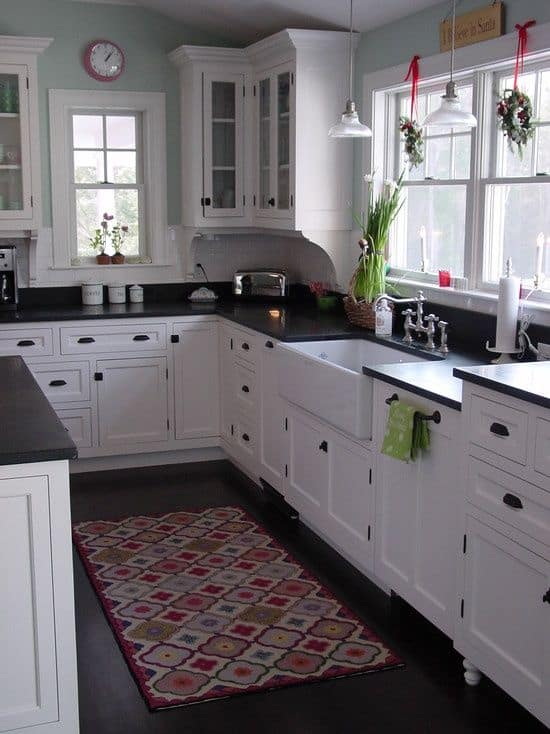 34 gorgeous kitchen cabinets for an elegant interior decor for Elegant kitchen counter decor