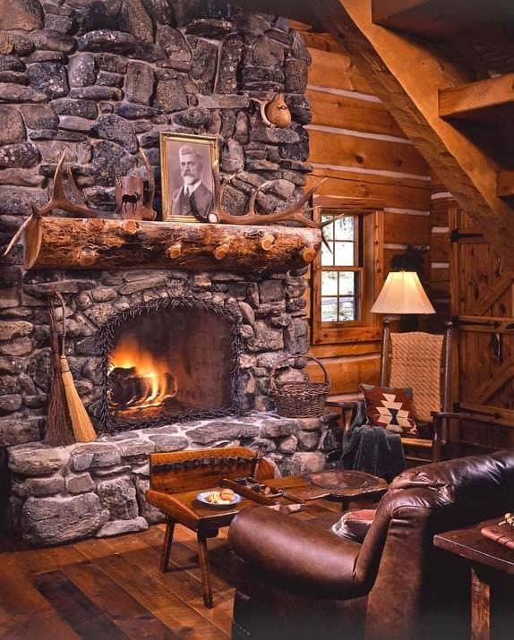 2 Cozy Log Cabin In Montana That Belongs To A Well Known Celebrity