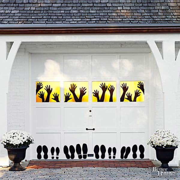 42 super smart last minute diy halloween decorations to realize diy halloween decorations to realize 1 decorate your garage decor creatively solutioingenieria Choice Image