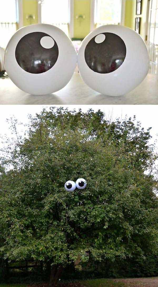 #3 ADD TWO SUPER COOL SPOOKY EYES TO YOUR TREES