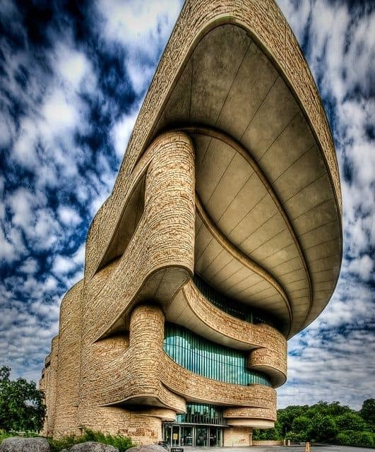 #14 THE NATIONAL MUSEUM OF THE AMERICAN INDIAN A FLUID ORGANIC STRUCTURAL FORM