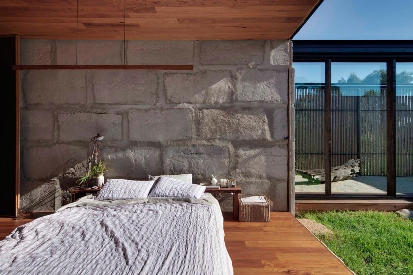 Reclaimed Concrete Blocks With Memory Defining Sawmill House in Australia modern residence on homesthetics magazine (13)