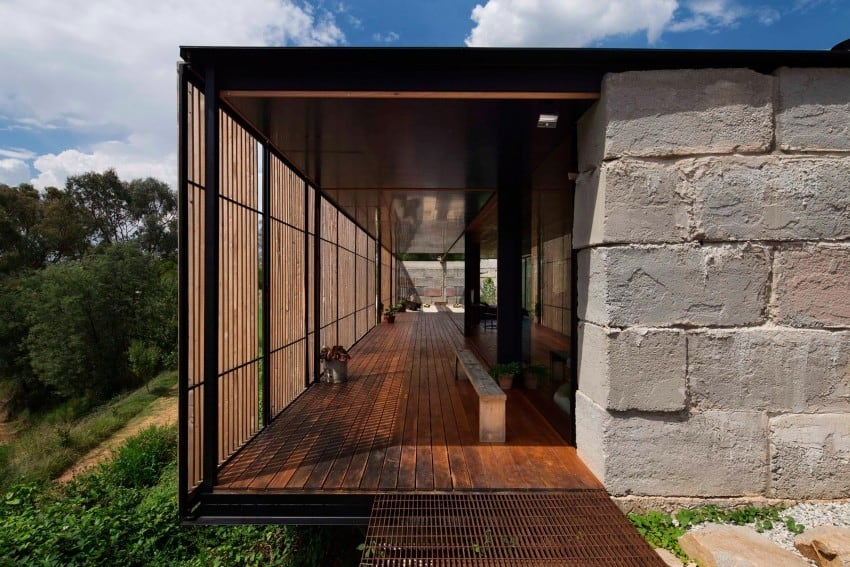 Reclaimed Concrete Blocks With Memory Defining Sawmill House in Australia modern residence on homesthetics magazine (2)