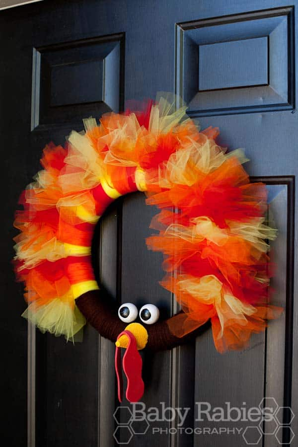 15 Super Smart Last Minute Turkey-Inspired Decor and Crafts For Your Thanksgiving (4)