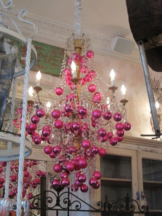 17 gorgeous christmas chandelier for a yuletide home decor 6 - Christmas Chandelier Decorations