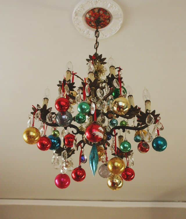 17 gorgeous christmas chandelier for a yuletide home decor 8 - Christmas Chandelier Decorations