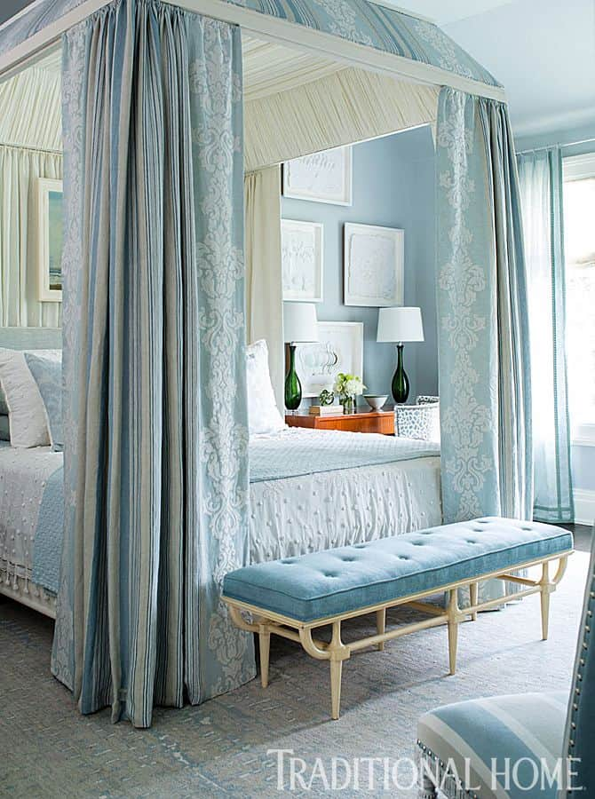 19 beautiful canopy beds that will create a majestic for Beautiful bedroom design for small spaces