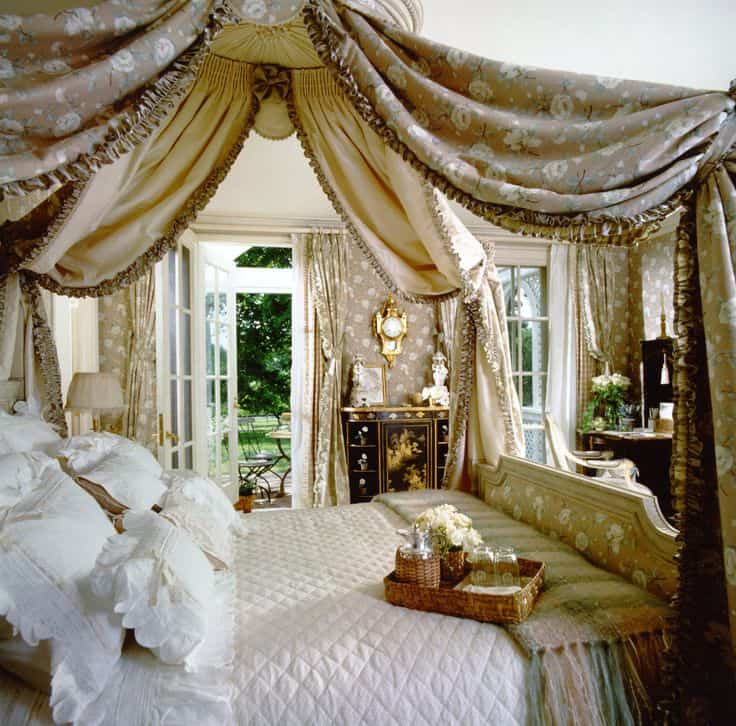 19 Beautiful Canopy Beds That Will Create A Majestic Ambiance To ...