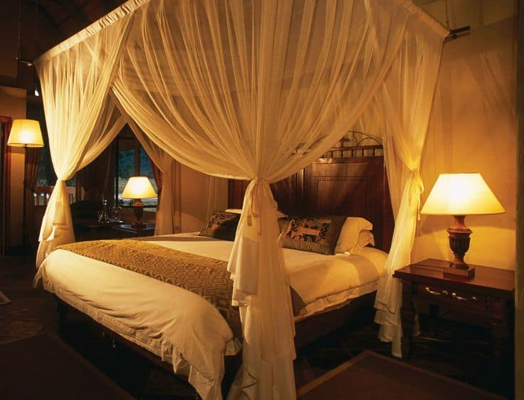 19 Beautiful Canopy Beds That Will Create A Majestic Ambiance To Any Small E Bedroom