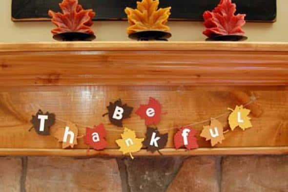 23 neat inexpensive diy thanksgiving decorations for every for Handmade thanksgiving decorations