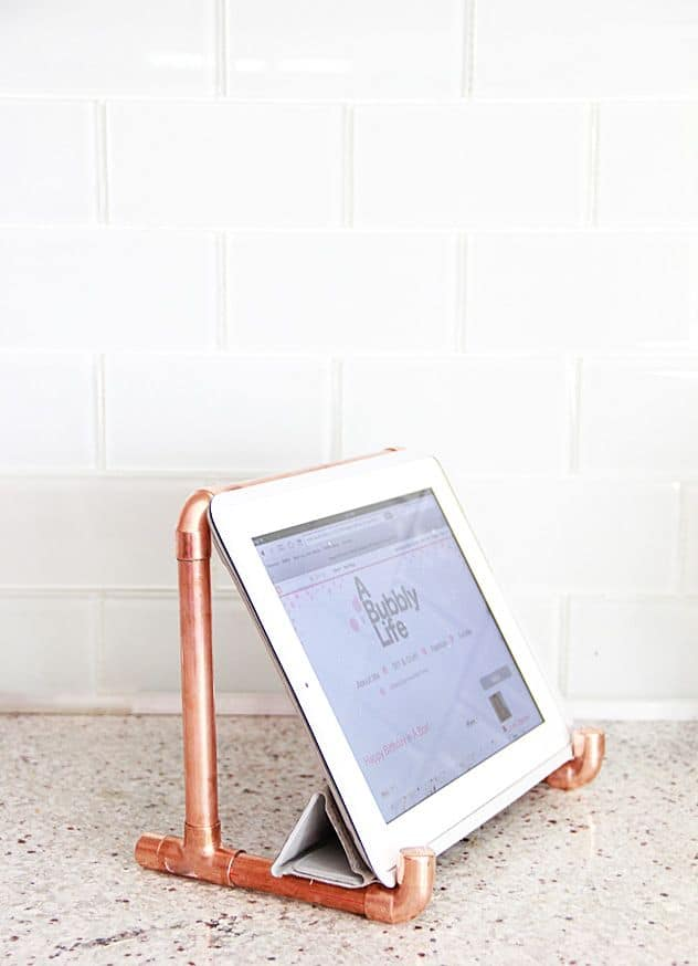 #2 TRANSFORM A COPPER PIPE INTO AN IPOD STAND
